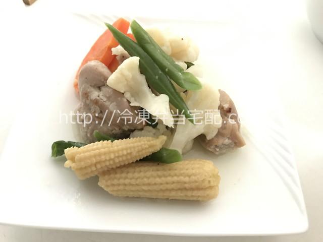 鶏肉の塩麹ソテーセット|鶏肉の塩麹ソテー盛り付け