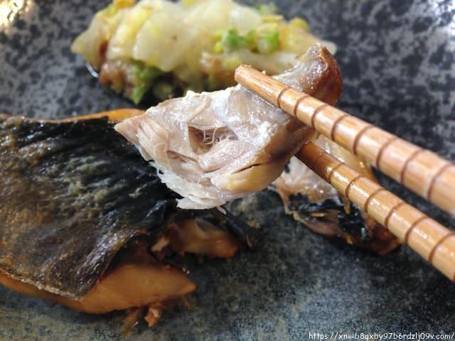 鯵の塩焼きと鶏肉の唐揚げ