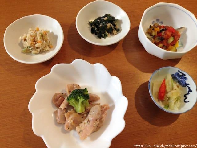 食宅便 鶏肉のレモンペッパー焼きと鱈のトマト煮